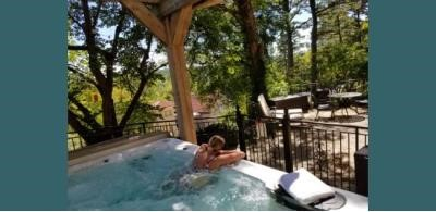 Hot Tub @ New Moon Spa